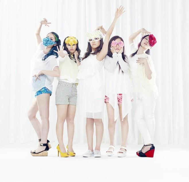 Cyntia release short PV for 'Shouri no hanataba wo -gonna gonna be hot!-'