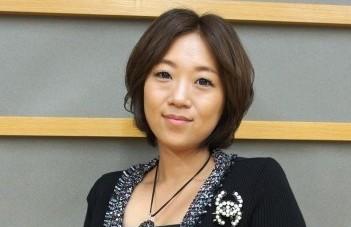 Minako reveals she has Graves' Disease