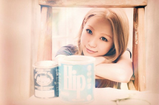"Nishino Kana releases the covers for her new single ""Darling"""
