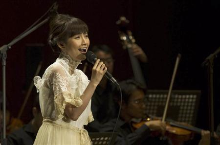 Natsumi Abe holds a live for her new album