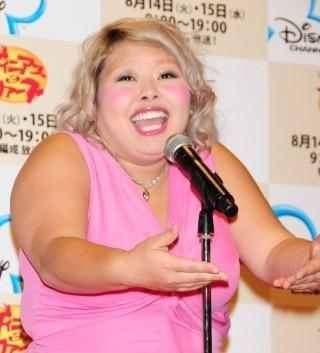 "Chubby Comedienne Watanabe Naomi Says She is Considered ""Healthy"" and not ""Fat"" in the US"