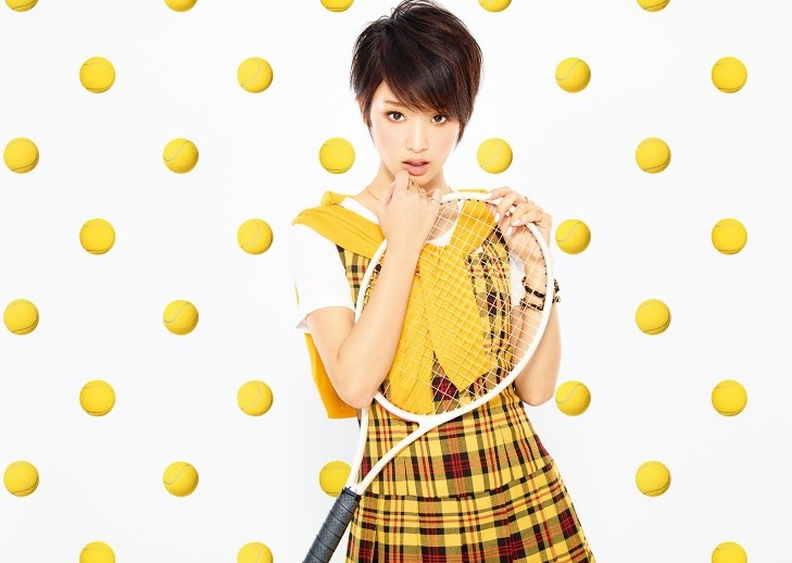 "Gouriki Ayame is back with a 'racket dance' in ""Kuyashii kedo Daiji na Hito"" PV"