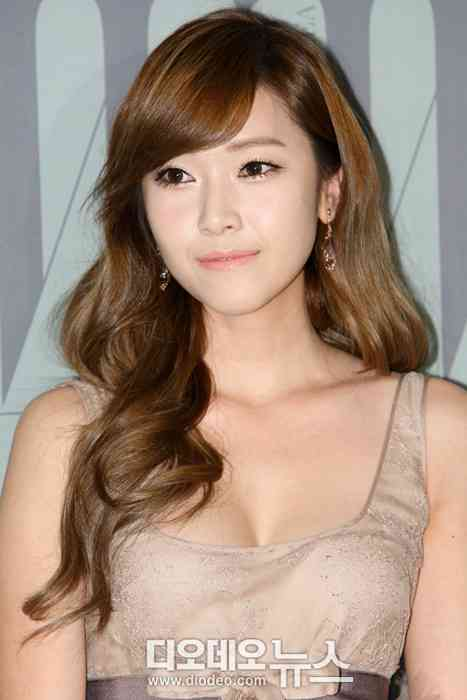 Former Girls' Generation member Jessica in hot water over possible plagiarism