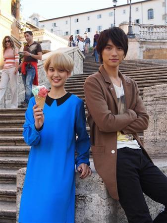 Fukushi Sota & Hirona Yamazaki enjoy themselves in Rome