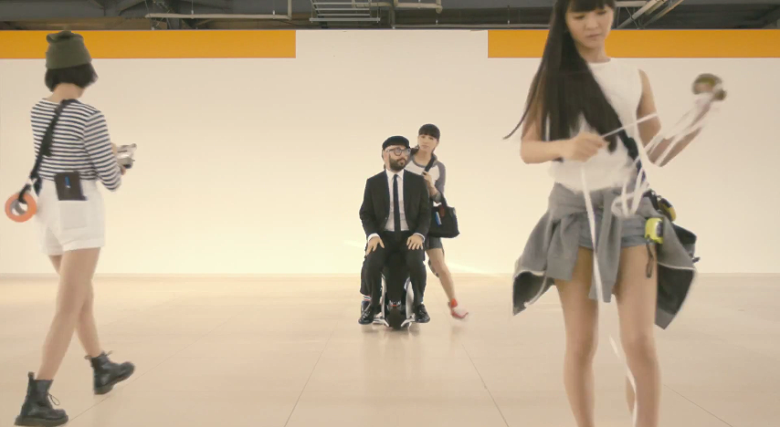 Perfume cameos in American band OK Go's music video