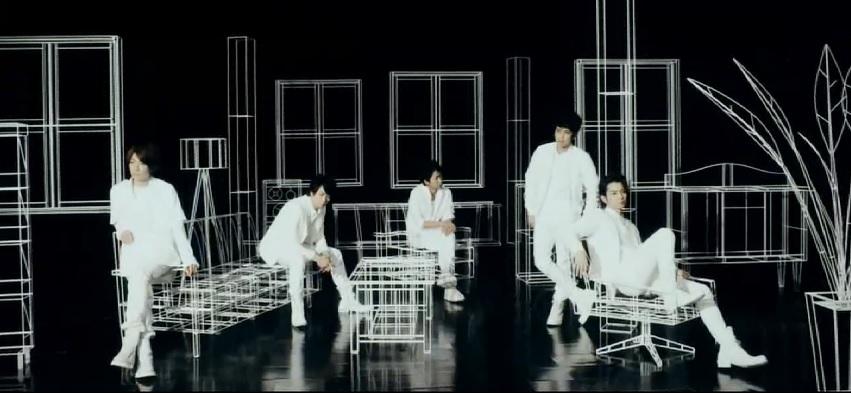 "Arashi Dances to Ohno Satoshi's Choreography in ""Zero-G"" PV"