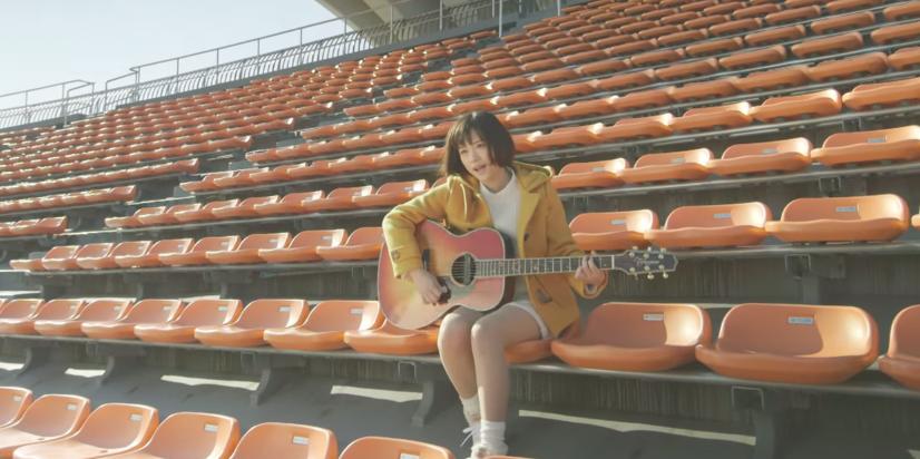"Ohara Sakurako sings ""Hitomi"" at Komazawa Park, releases acapella PV"