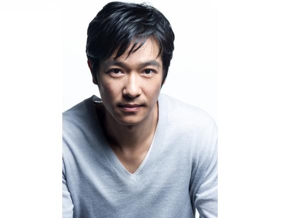 """Sakai Masato returns to drama as a genius psychiatrist in """"Dr. Rintaro"""""""