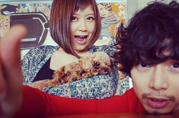Mizushima Hiro greets Ayaka on wedding anniversary