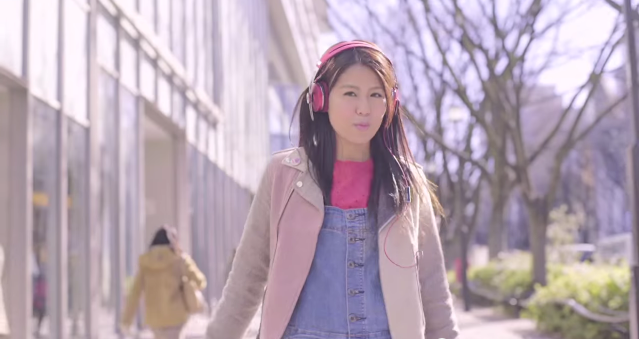 """Suzu feels the breeze of spring with """"Nijiro Color"""" music video"""