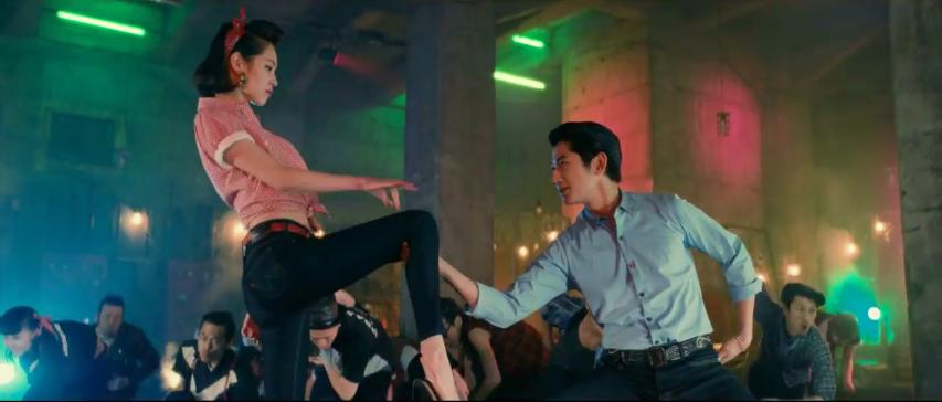 Watch the dance battle between Mizuhara Kiko and Eita for Edwin Jerseys CM
