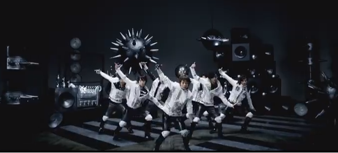 "Kis-My-Ft2 does the 'penguin dance' for ""Kiss Damashii"" PV"