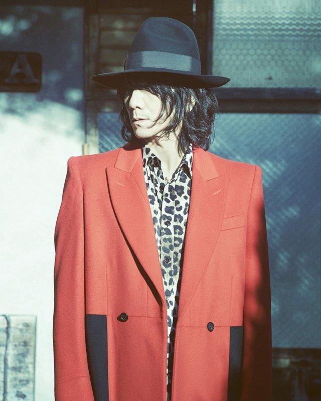 "Yoshii Kazuya unveils bright, neon PV for ""(Everybody is) Like a Starlight"""