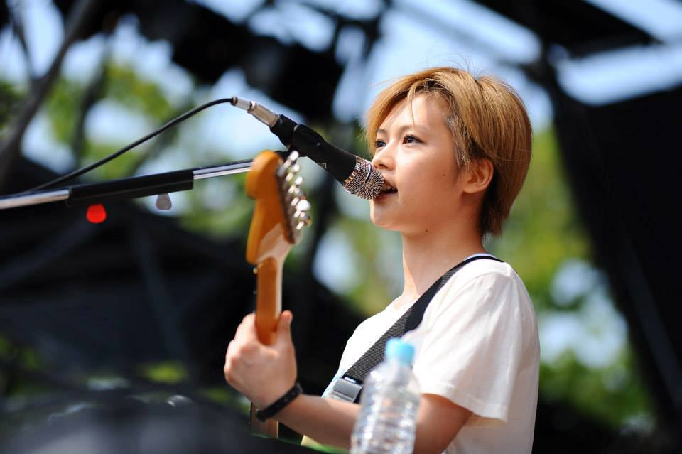 YUI Announces Her Marriage and Pregnancy