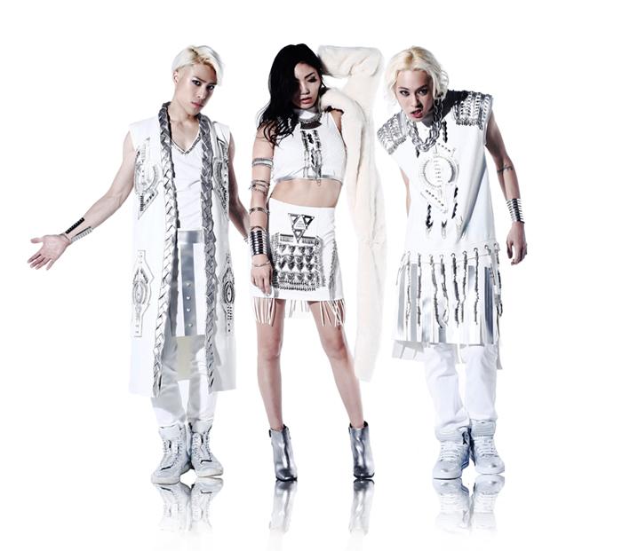 Raychell gets 'Krazy' in new MV with RICKEY & RABBIE