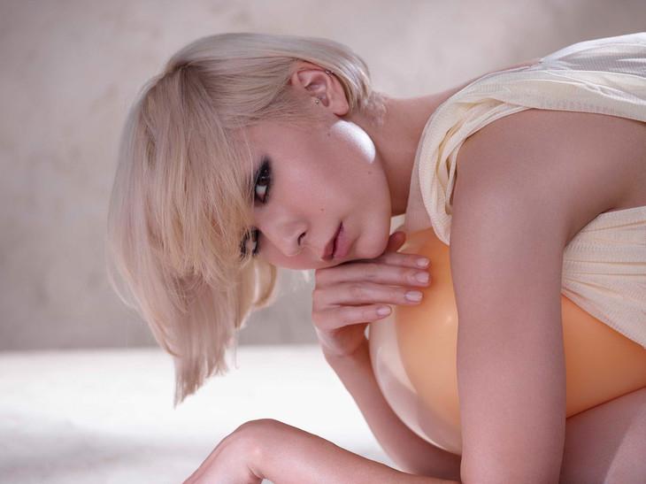 """Kaela Kimura Releases Short PV for """"EGG"""""""