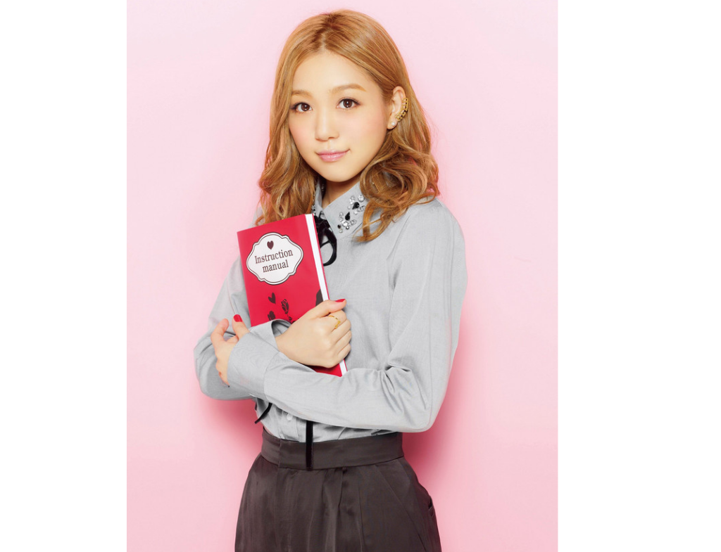 Nishino Kana to release 2 new best-of albums simultaneously