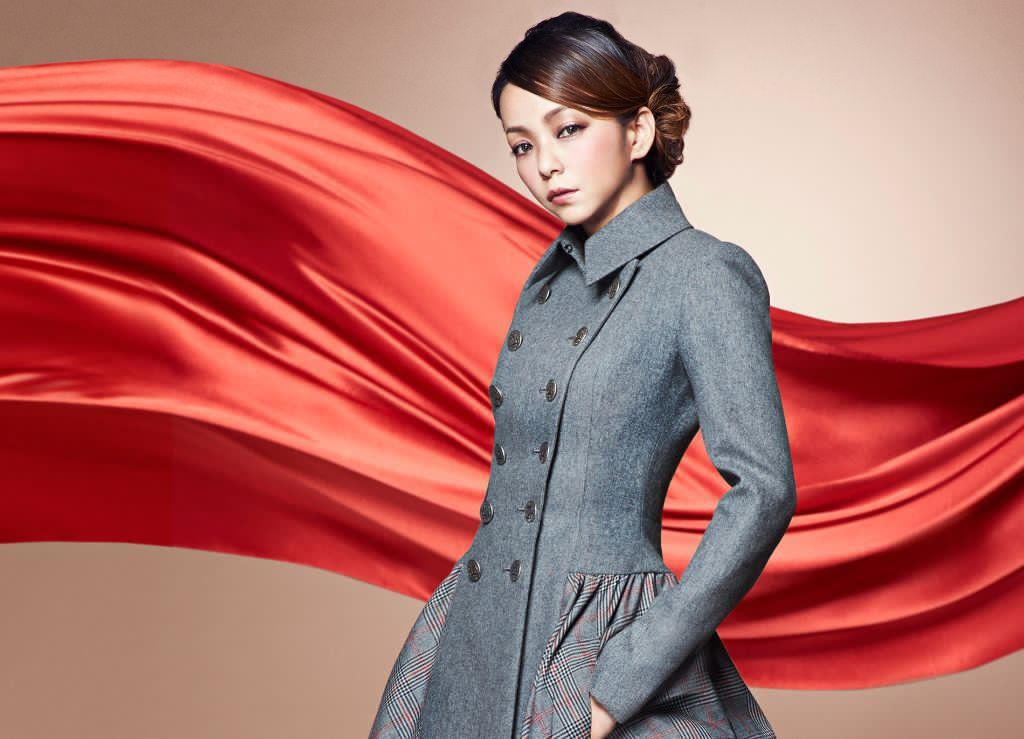 "Namie Amuro Releases Muted Short PV for ""Red Carpet"""