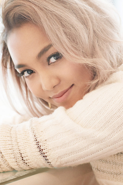 "Crystal Kay Releases Covers and Tracklist for Her New Album ""Shine"""