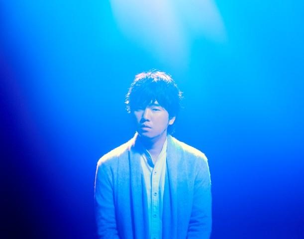 """Hata Motohiro Releases PV for Heartwarming """"Seinaru Yoru no Okurimono"""""""
