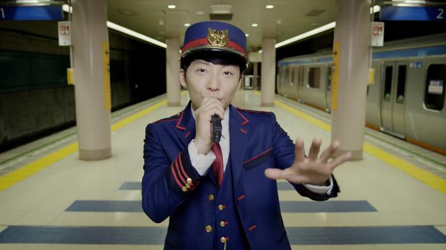 """Hoshino Gen Is a Dancing Train Conductor in PV for """"Toki yo"""""""