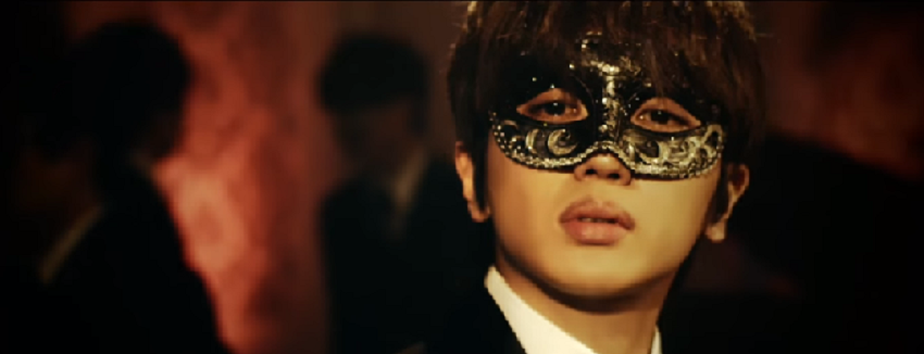 "AAA's Nissy Goes to a Masquerade Ball in ""SUGAR"" Short PV"