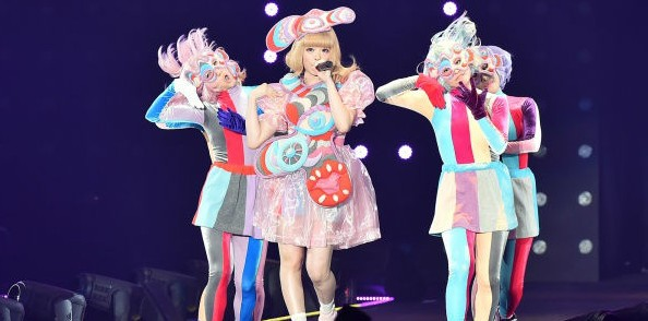 Kyary performs at Tokyo Girls Collection 2016 S/S