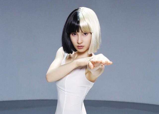 Tao Tsuchiya shows a powerful dance in Sia's 'Alive'
