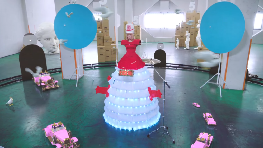"Kyary Pamyu Pamyu reveals ""Sai & Kou"" MV Short Version and ""Meet Kyary"" prizes"