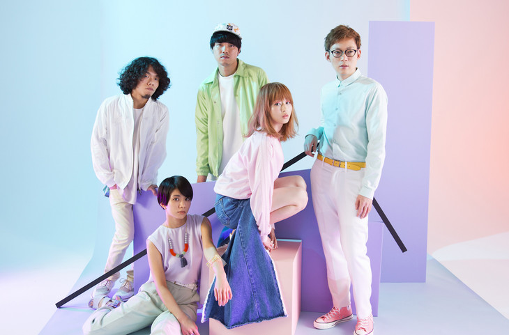 """Awesome City Club Invades a Gap and Throws a Party in """"Don't Think, Feel"""" PV"""