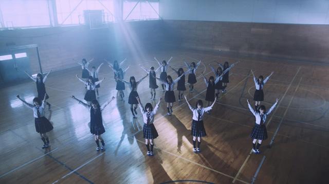 Keyakizaka46 takes to Hokkiado for 'Sekai ni wa Ai Shika Nai' PV