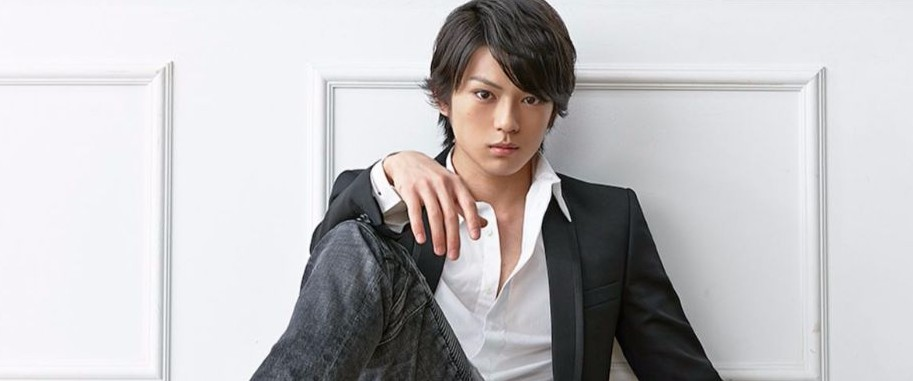 Is 19-year old Mackenyu a father of a 5-year old?