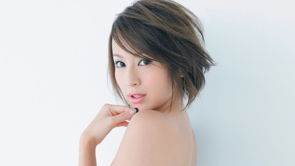 Ami Suzuki Gives Birth