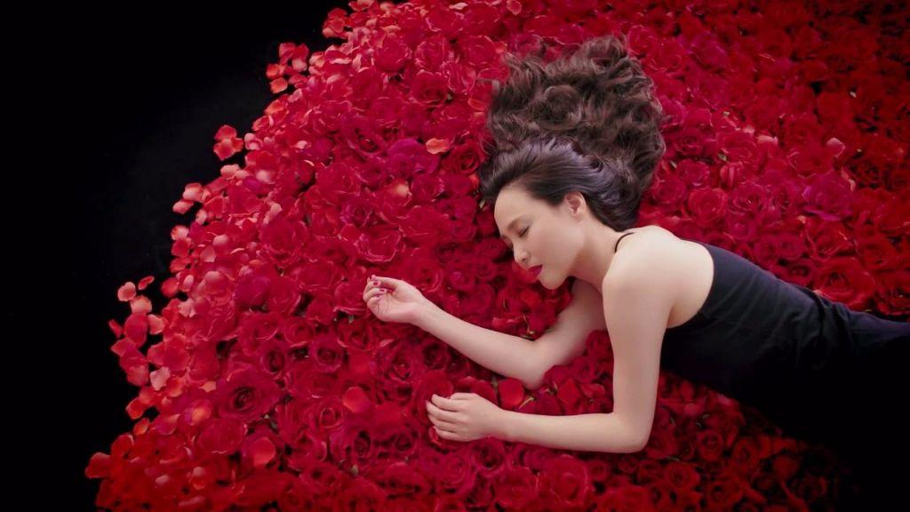 """Matsuda Seiko delivers heartfelt ballad with """"Bara no youni Saite, Sakura no youni Chitte"""""""