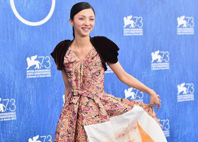 Hikari Mitsushima charms on the Venice Film Festival red carpet