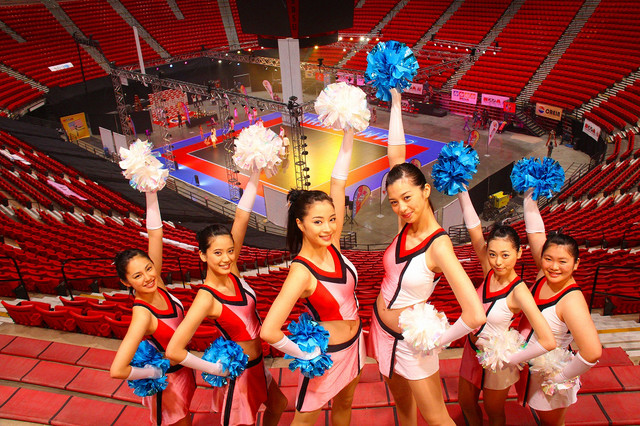 "Suzu Hirose Becomes a Cheerleader in New Film ""Cheer☆Dance"""