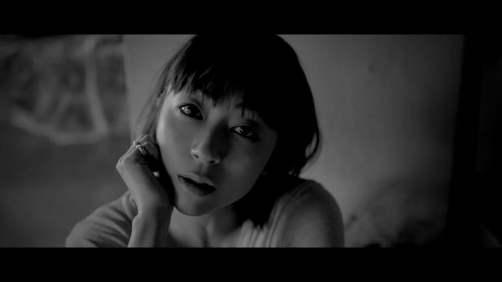 "[Update] Utada Hikaru releases ""Hanataba wo Kimi ni"" MV"