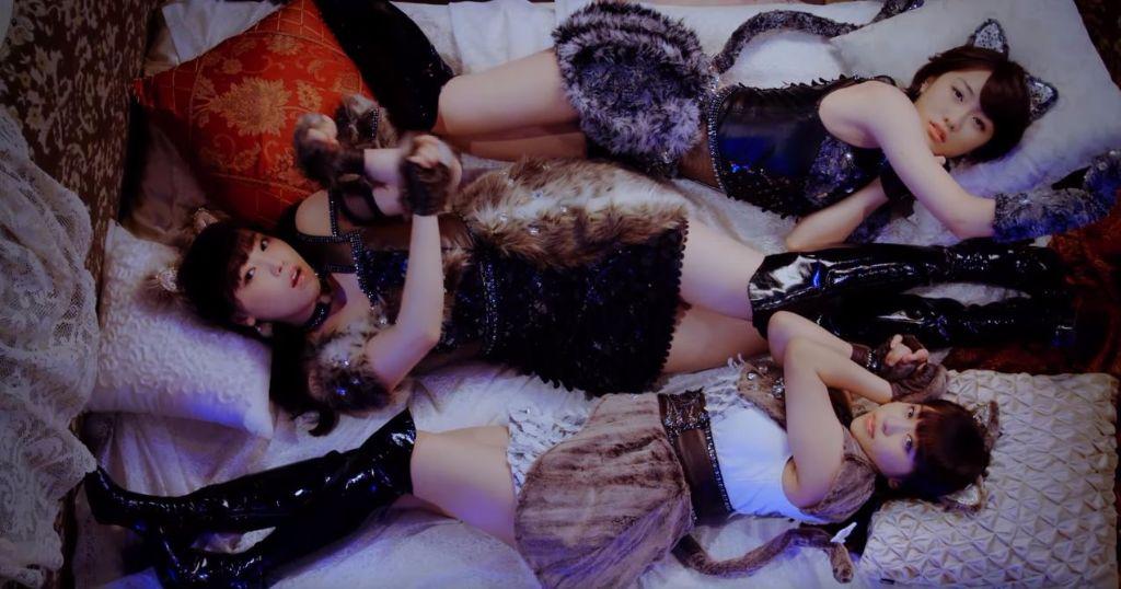 "Morning Musume '16 Sakura, Haruka and Mizuki go Feline Fatale in ""Sexy Cat no Enzetsu"""