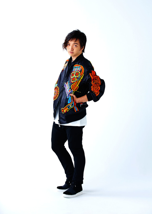 """Daichi Miura Goes Old School in """"(RE)PLAY"""" PV"""