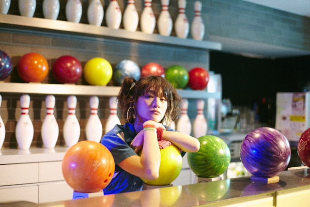 "Suiyoubi no Campanella Parties in a Bowling Alley in ""Aladdin"" PV"