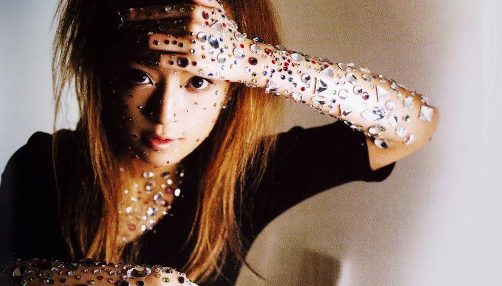 """Ayumi Hamasaki performs """"kanariya"""" for the first time"""