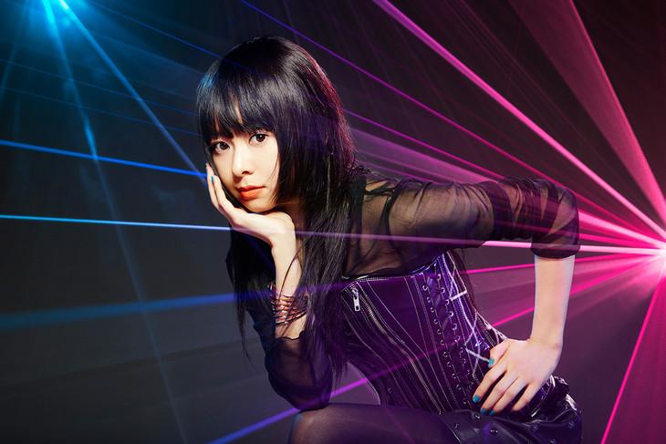 Mai Kuraki secures perfect top 10 streak, announces new album