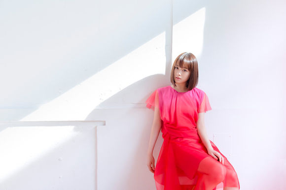 "Ohara Sakurako serves heartwarming ballad in ""Hirari"" music video"
