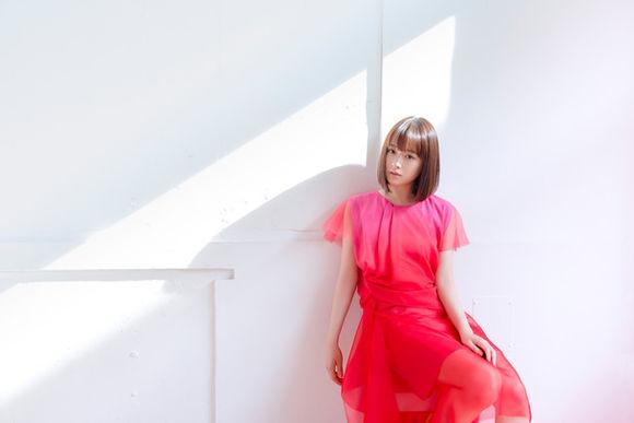 "Ohara Sakurako serves heartwarming ballad in ""Hirari"" music video"