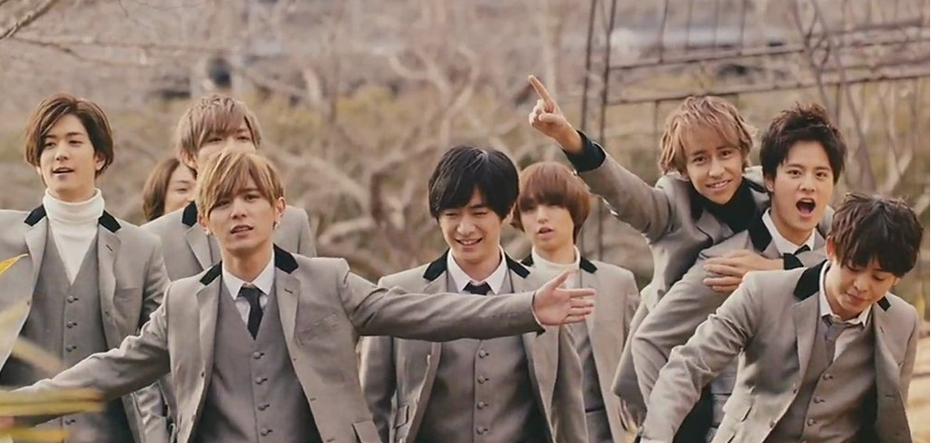 "Hey! Say! JUMP grooves in ""OVER THE TOP"" and gets outdoor fun in ""Funky Time"" PV"