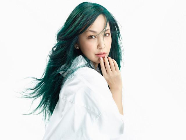 "Mika Nakashima Plays an Office Lady in Love in ""Koi wo Suru"" PV"