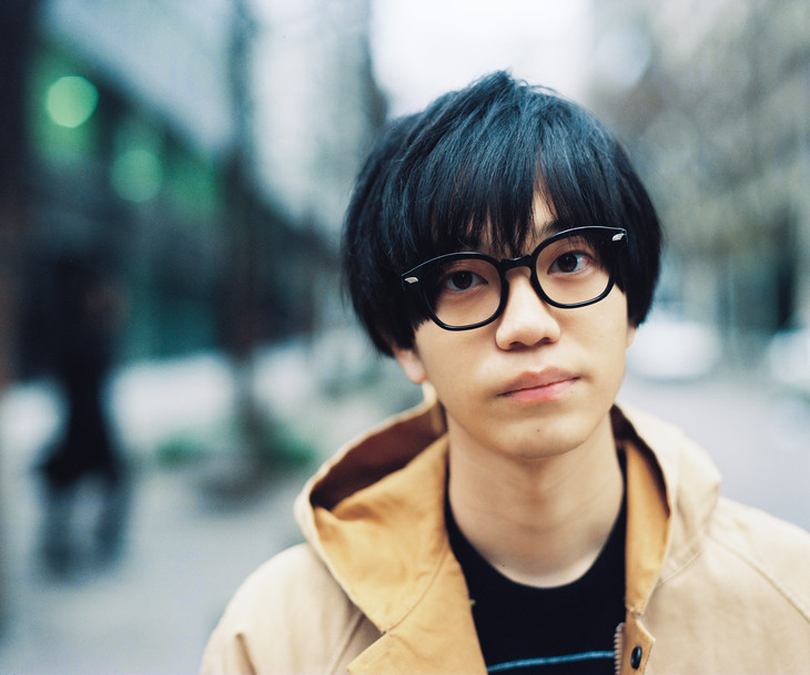 "Shin Rizumu puts on a show in his PV for ""FUN!"""