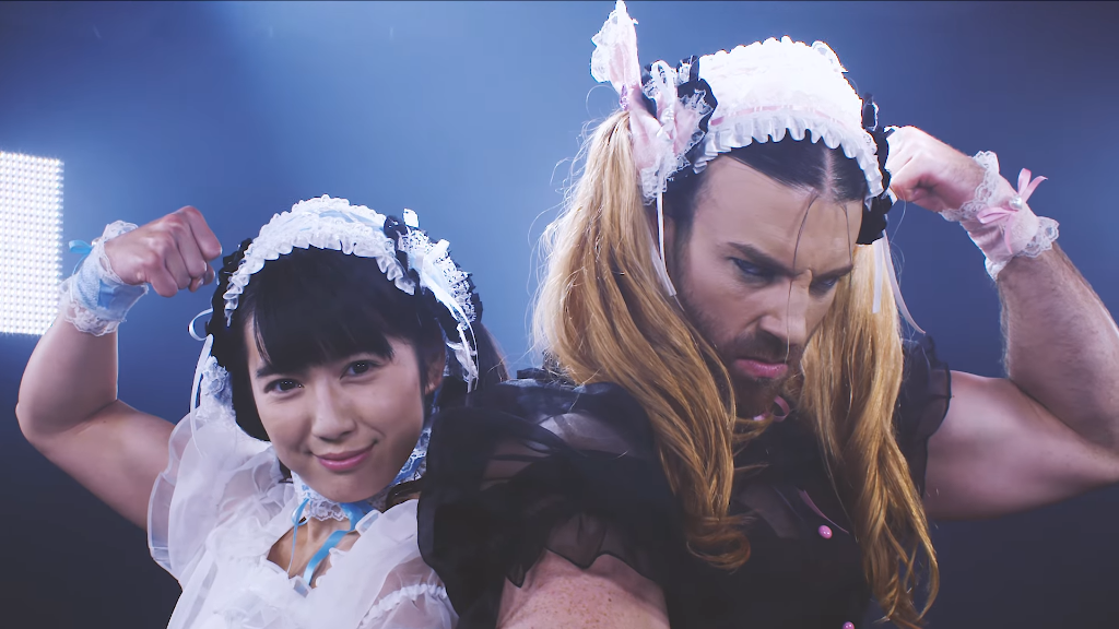 "Do you believe in fate? DEADLIFT LOLITA tells their story in ""SIX PACK TWINS"" MV"