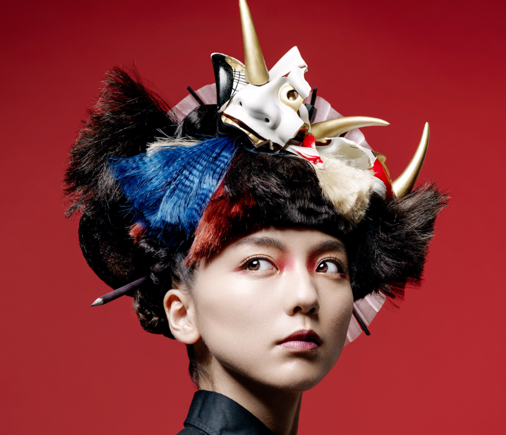 "Erina Mano shows off 7 distinct hairstyles with ""prostyle"" collaboration"