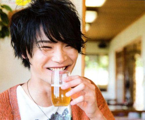 Voice Actor Yoshimasa Hosoya to go on Hiatus